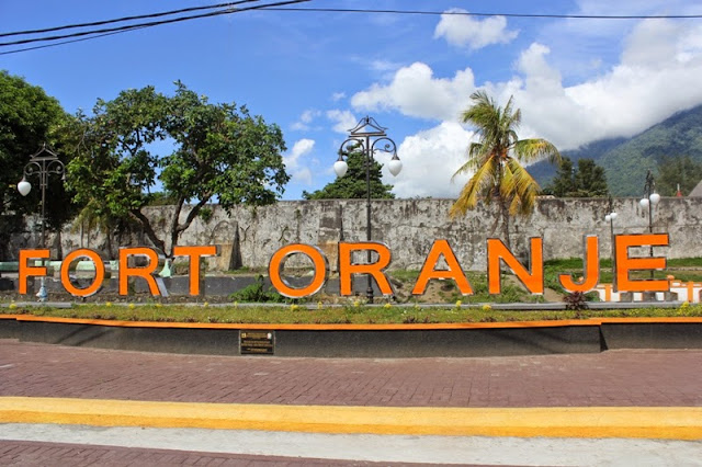 15 Tempat Wisata Terkenal yang ada di Maluku Utara -Benteng Oranye
