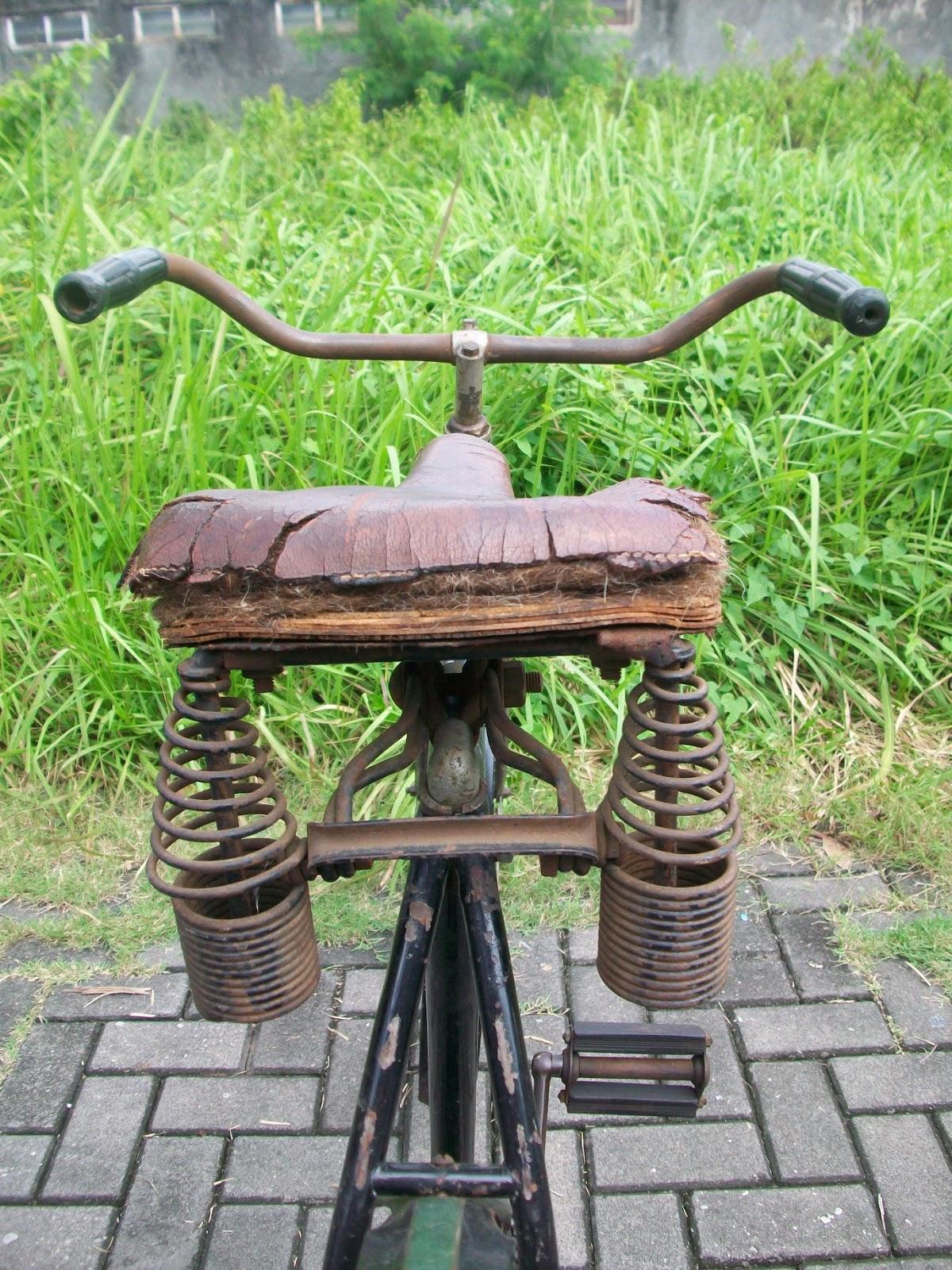 Sepeda Antik Kita: DIJUAL SEPEDA BUATAN AMERIKA DARI