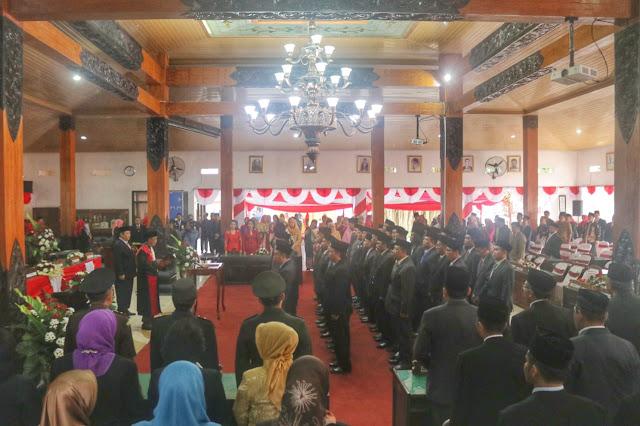 Diambil Sumpah Jabatan, 45 Anggota DPRD Kabupaten Trenggalek Masa Bhakti 2019-2024 Resmi Terlantik