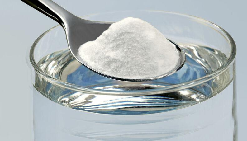 Gargarejo de água salgada é eficaz contra dores de garganta e dores na boca?