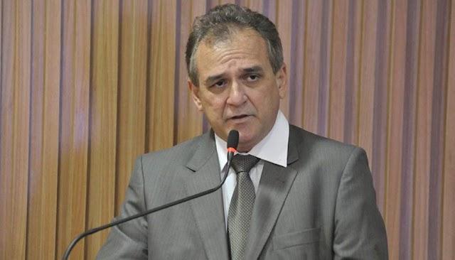 PRESIDENTE DO SINDMED QUEBRA ACORDO, PERDE NA JUSTIÇA E TENTA EMPAREDAR PREFEITO