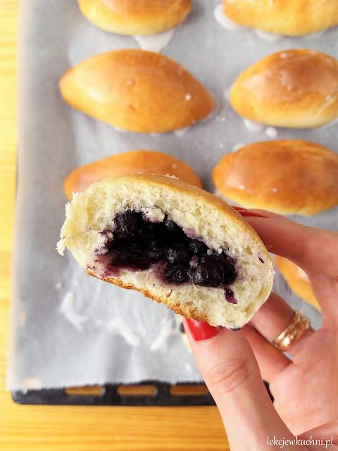 Jagodzianki (zawijane) / Polish Blueberry Rolls