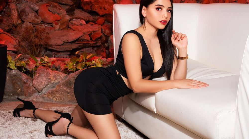SaraMiuler Model GlamourCams