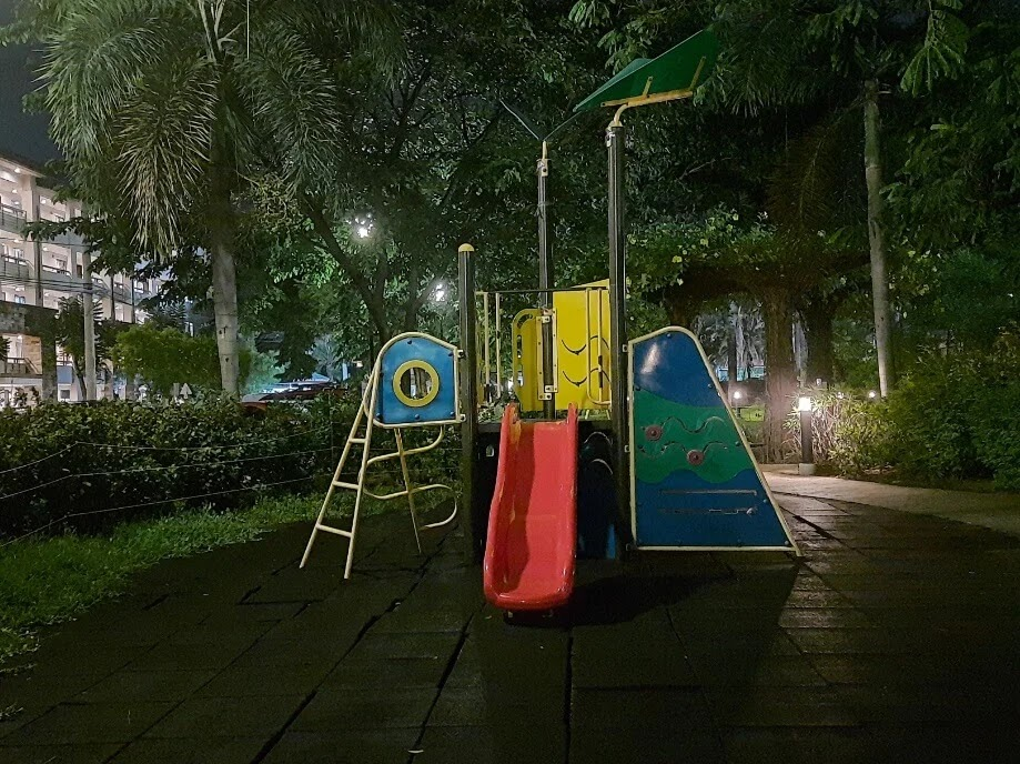 Samsung Galaxy M31 Camera Sample - Playground, Night Mode