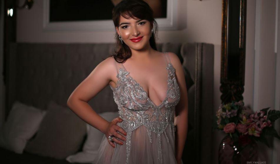 EmilyWallace Model GlamourCams