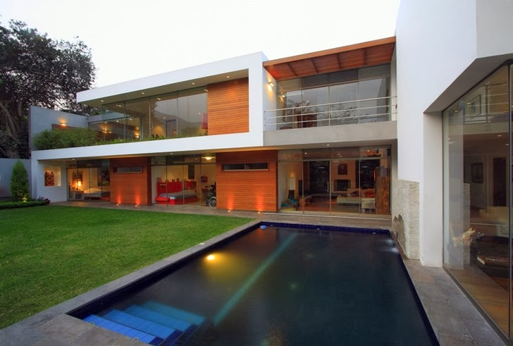 Swimming pool in Cachalotes House by Oscar Gonzalez Moix