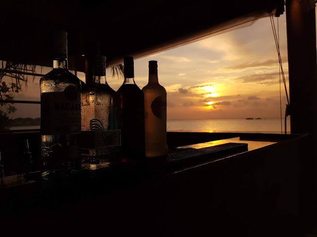 Sunset bar Amari Havodda Maldives