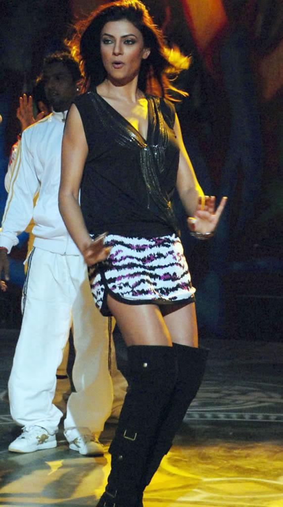 Sushmita Sen in mini skirt, Sushmita Sen hot legs, Sushmita Sen in boots, Sushmita Sen thighs pics, Sushmita Sen hottest pics, Sushmita Sen HD wallpaper