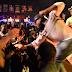VÍDEO: Cantor de Rap perde a razão e acerta soco em mulher em show, assista