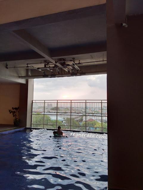 hotel murah dengan fasilitas kolam di surabaya