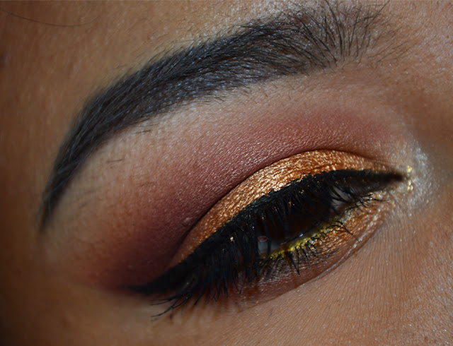 Eye makeup using Liquid Parl 08 di Wycon