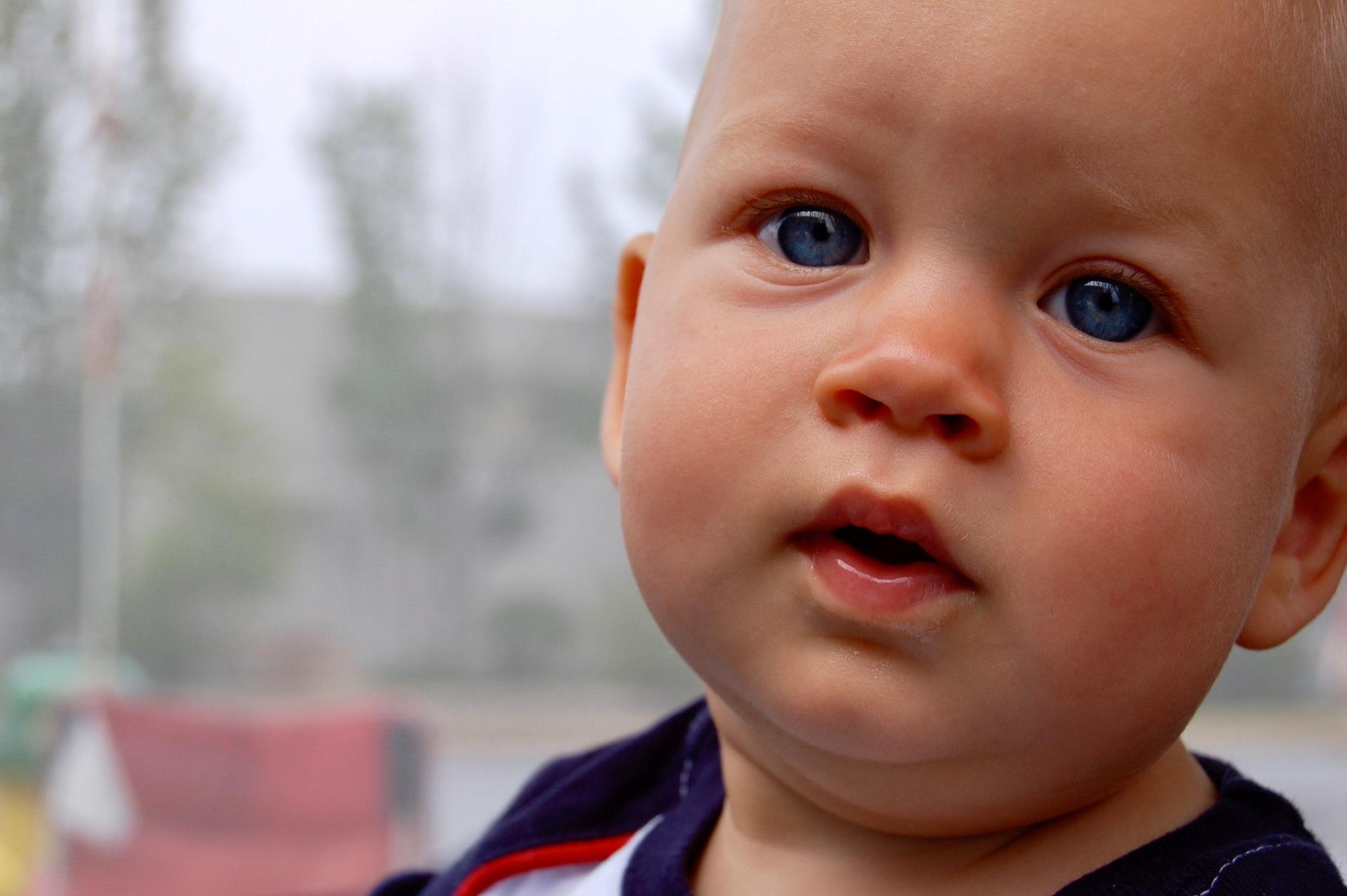 De la cât timp văd Bebelușii dupa ce se nasc