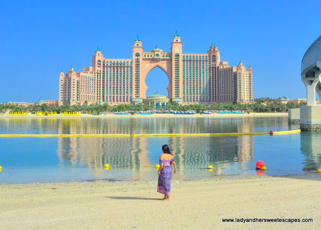 Lady at Palm Jumeirah Atlantis