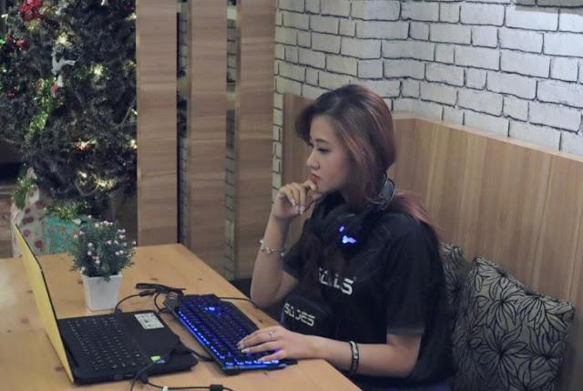 "Profil Biodata: Kenalan dengan Gamers Cantik ""OLIVIA GOSANDRA"""