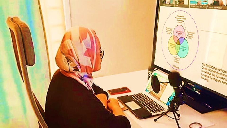universiti-teknologi-malaysia-pimpin-inovasi-e-learning-menuju-komunitas-digital