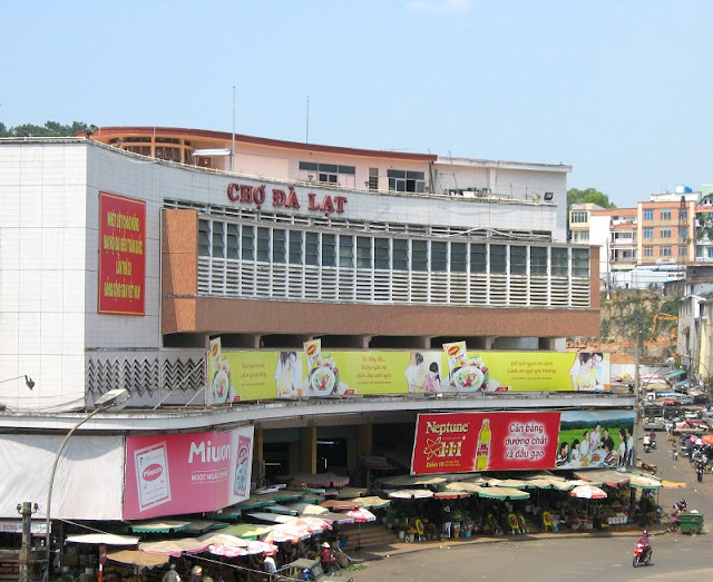 Da Lat Market - the largest commercial market in Central Highlands