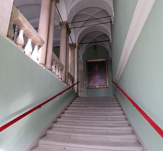 Schody do apartamentów biskupich.
