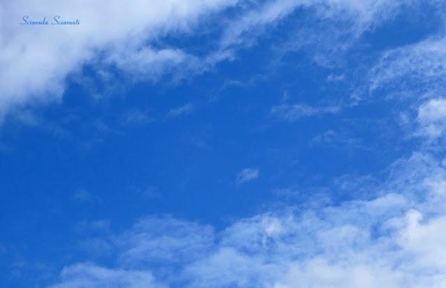 Cielo azzurro d'ottobre