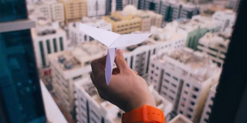 برقية الطائرة الورقية