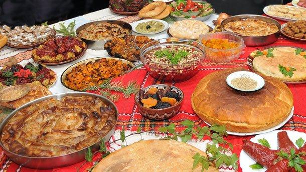 Γεύσεις από Ελλάδα στο τραπέζι της Παναγιάς