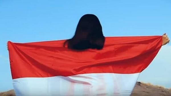 Video dan puisi berkibarlah benderaku