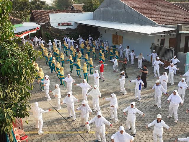 Senam Sehat Indonesia Se Kab. Sragen Di Gelar Di Gemolong