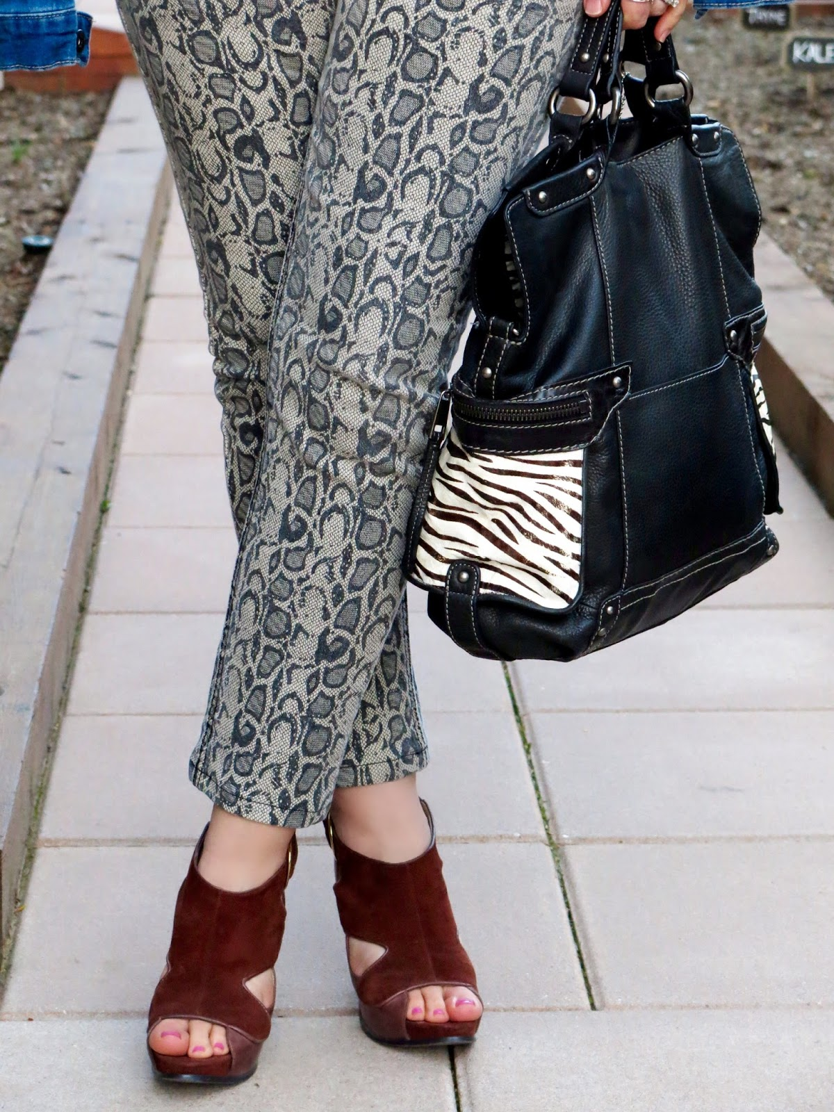 snakeskin-patterned jeans, Nine West suede shoes, Fossil bag