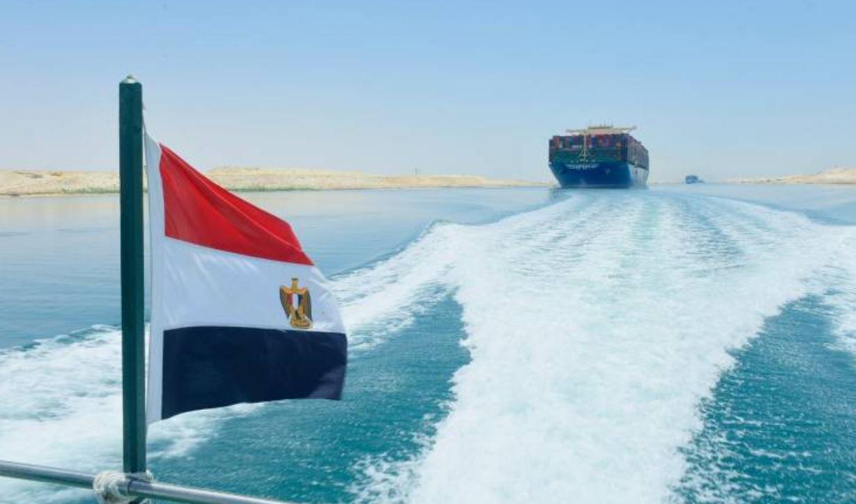 أمين عام مجلس التعاون يدعم جهود مصر لعودة الملاحة في قناة السويس