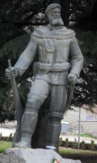 ο  ανδριάντας του Υane Sadanski στο Μελένικο