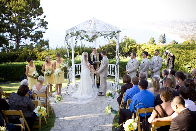 vintage california chic wedding of Oh Lovely Day   Photo by Jennifer Roper