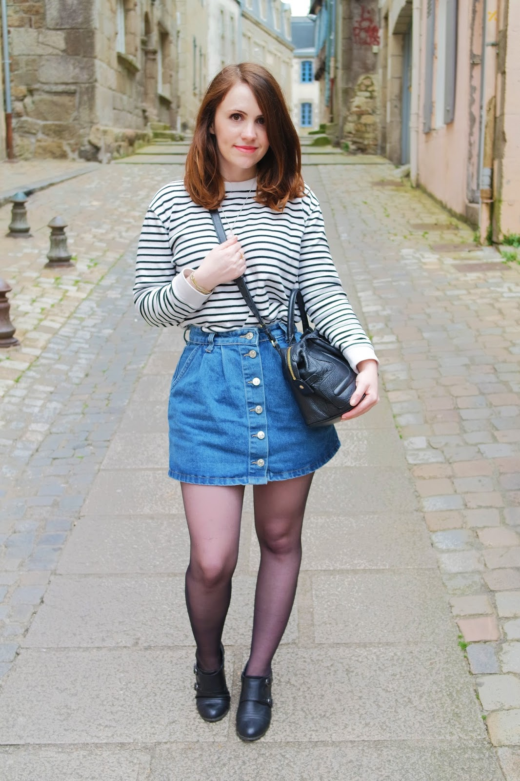 Je commence ce tout premier lundi mode avec un Outfit Of The Day autour  d\u0027une petite jupe en jean Mango! Cela faisait des mois et des mois que je  voulais ce
