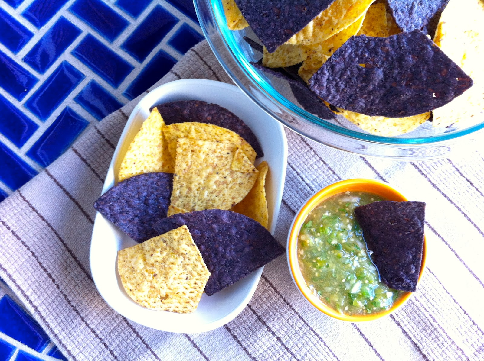 Tomatillo Salsa with Blue and Yellow Tortilla Chips