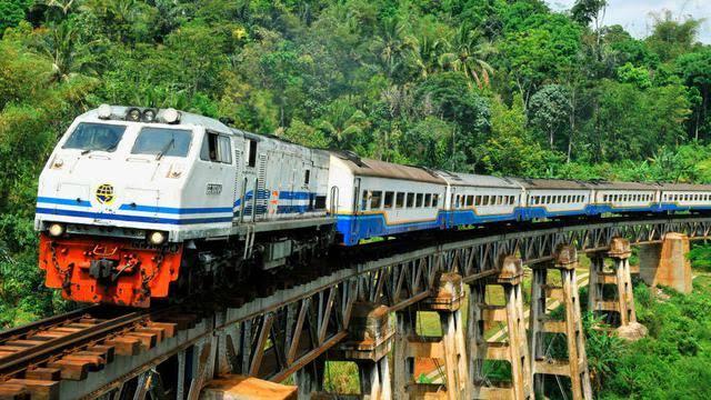 cara praktis mencari info dan membeli tiket kereta api secara lengkap di traveloka nurul sufitri travel lifestyle blogger review culinary
