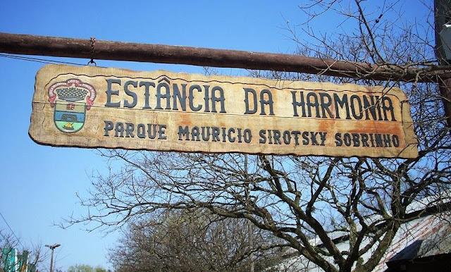 https://www.oblogdomestre.com.br/2019/07/PortoAlegre.Turismo.Viagem.html