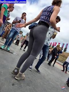 Mujeres guapas pants yoga