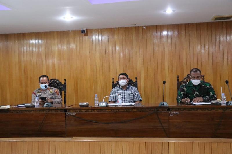 Rapat Evaluasi Kegiatan Tim Satgas) Covid-19 Bersama Kapolres, Kodim 0419/Tanjab dan Pemkab Tanjab Barat