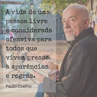 Paulo Coelho preso à aparências, com crase