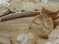 Kue Kering Crispy Almond Homemade