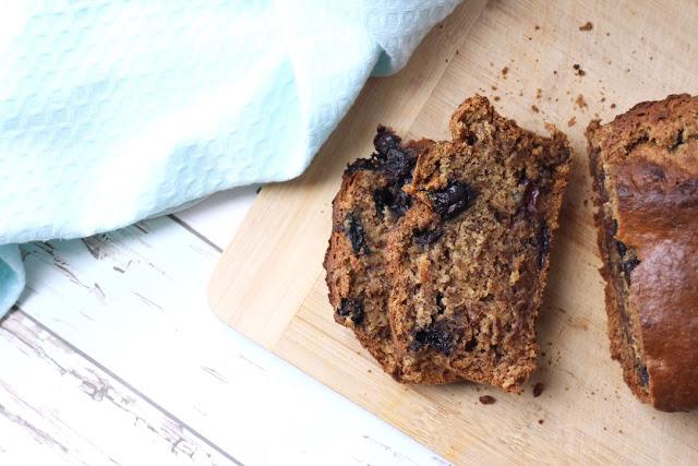 Vegan banana and blueberry bread recipe