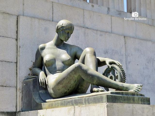 Musa da Engenharia - Monumento a Ramos de Azevedo