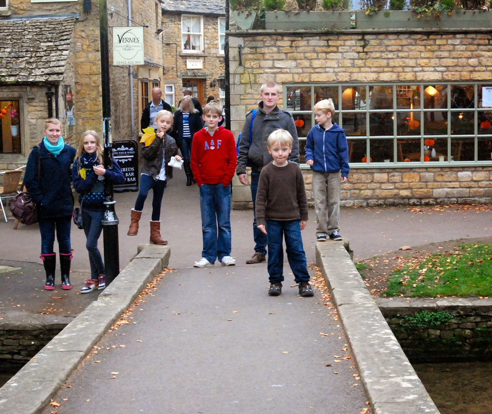 madmumof7's family at Bourton-On-The-Water