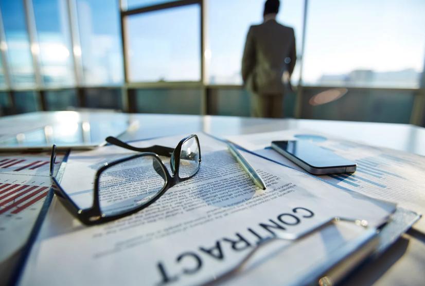 الاستقالة في قانون العمل للمقيمين