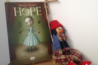 """""""Hope"""" de Wendy Davies, un homenaje a los cuentos"""