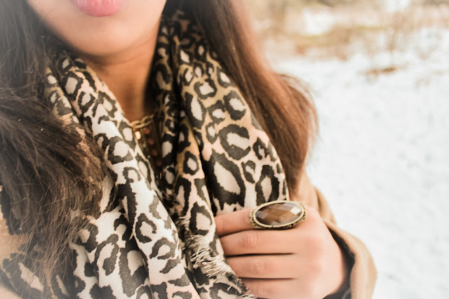 OUTFIT: COAT AND TIGER PRIZMAHFASHION