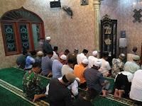Babinsa Koramil 01/BK Serda Indra Bayu Salat Subuh Berjamaah bersama Masyarakat
