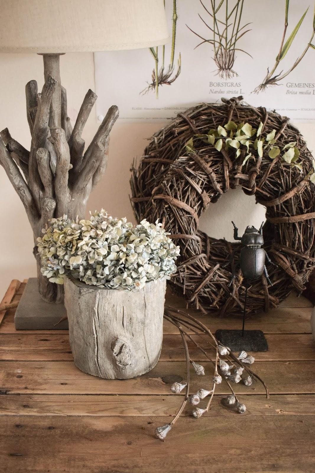 Deko Herbst für Konsole und Sideboard mit Eicheln. Herbstdeko Dekoidee Wohnzimmer Dekoration eiche eicheln botanisch natuerlich dekorieren 5