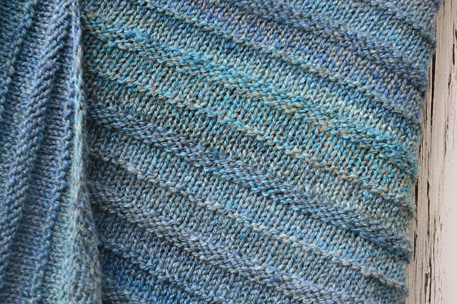 strickwerk, Shawl aus handgesponnenem garn, combospin, handspun, bystrickwerk