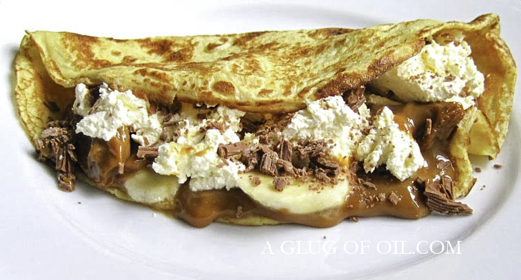 Banoffee Pancakes with chocolate flakes