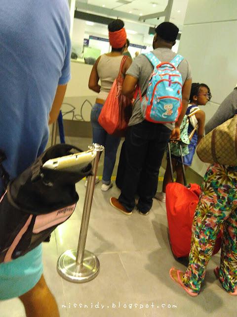 gate imigrasi di bandara klia 2