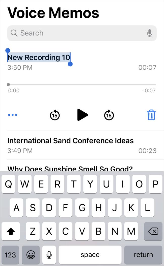 تسمية مذكرة صوتية في iOS